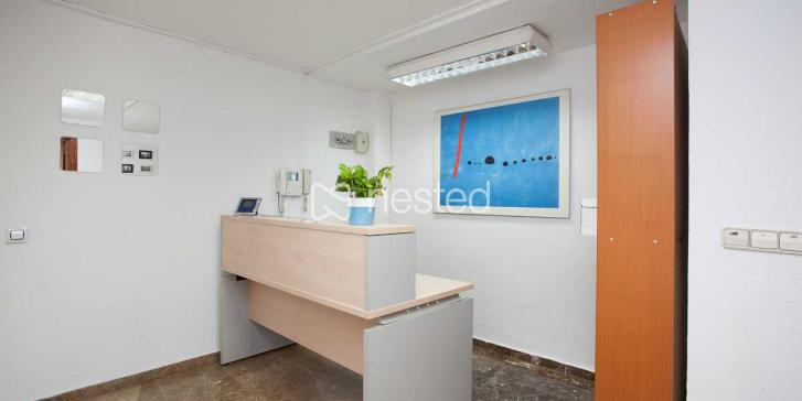 Sala de Puestos de Trabajo_image